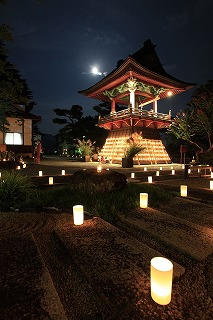 毎年中秋の名月の夜に行われる「指月会」